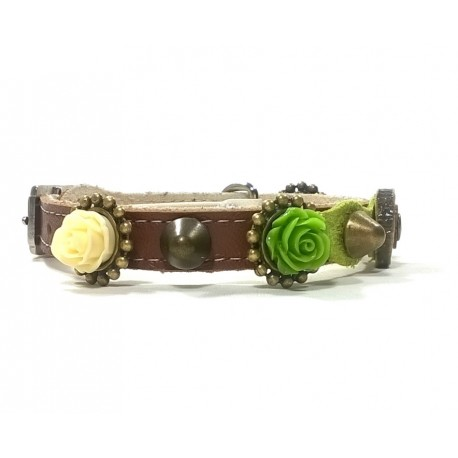 Leather Cat Collar with Stylish Roses and Olive Wood