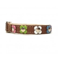 Trendy Leather Bracelet colored with pastel Flowers