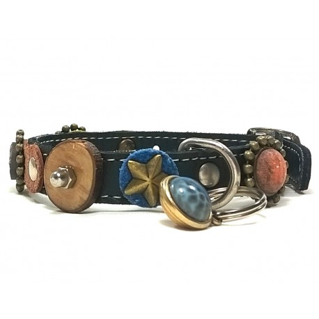 Luxury Leather Cat Collar with Original Decorations and Nice Charm
