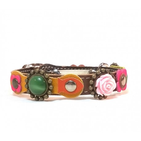 Vintage Style Cat Collar with Beautiful Flowers Leather Hearts and Pink Roses